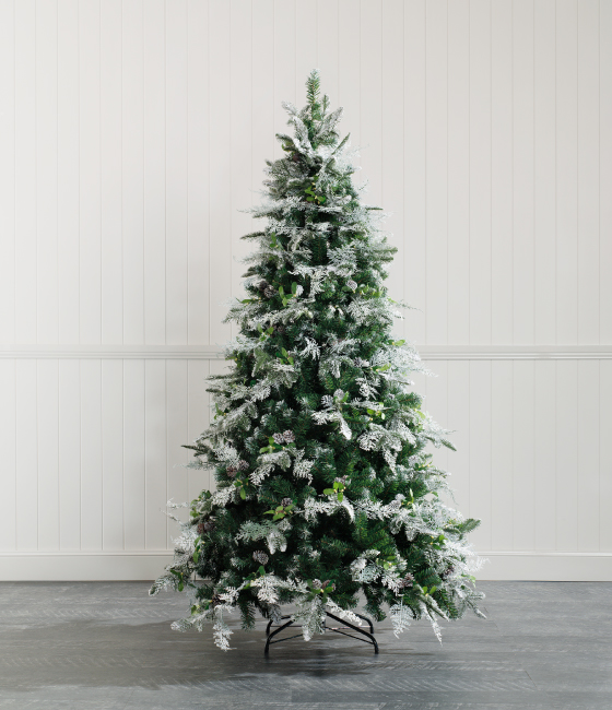 The Swede - Artificial Christmas Tree - Snow Flocked Green ...